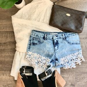 Acid Wash Lace Detail Mid Rise Denim Shorts